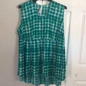 Melissa McCarthy shirt